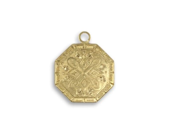4 pieces Etched Medallion charm - Vintaj Vogue, Gold colored, Vintaj item DPV046, Solid Brass Medallian charms