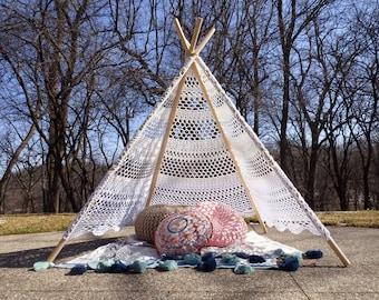 Crochet Pattern: Lace Tent