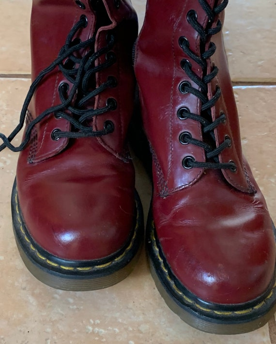 Reduced Dr Martens / boots / maroon / classic / or