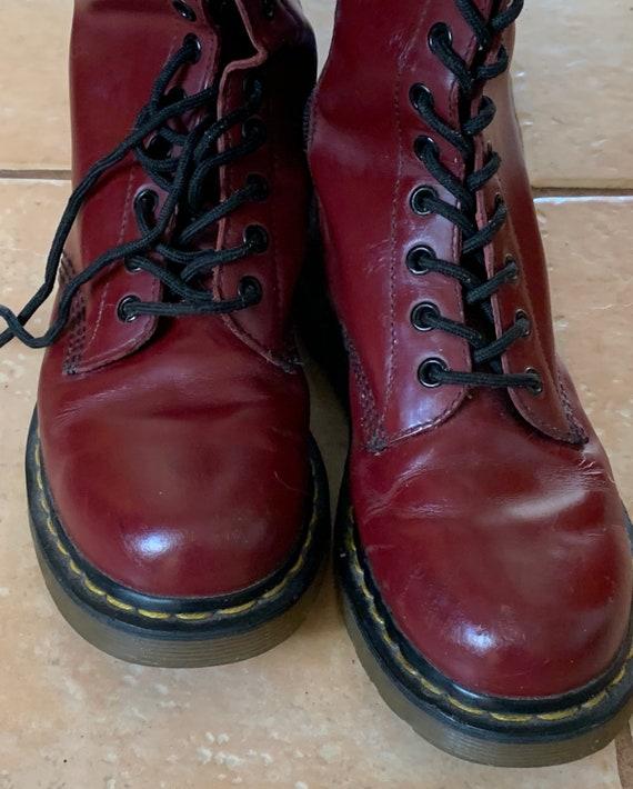 Dr Martens / boots / maroon / classic / original /