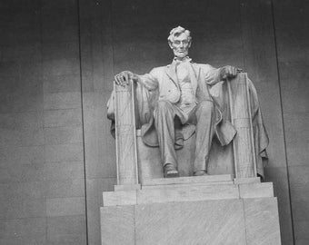 Vintage Lincoln Memorial Photo / Vernacular Photography / Original 1950's Snapshot Photograph