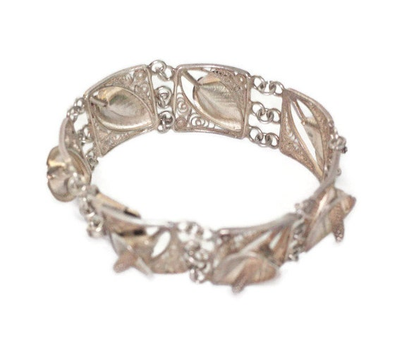 Silver Calla Lily Link Bracelet Floral Design Dimensional Bracelet