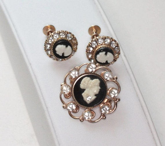 Black and White Cameo Pin and Earrings Rhinestones Vargas Screw Back Earrings 1940s 1950s