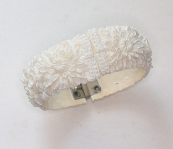 Carved Celluloid Clamper Bracelet Off White Chrysanthemums Flowers Hinged Bangle
