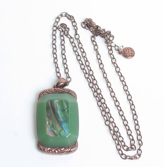 Abalone Shell Green Lucite Pendant Necklace Copper Tone Metal Vintage Signed BB