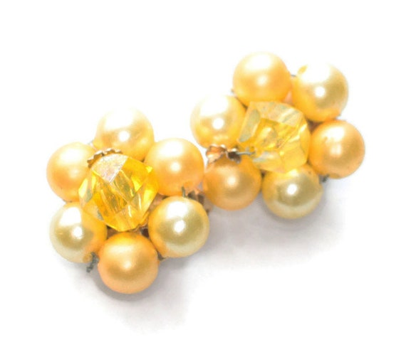 Yellow Faux Pearl Cluster Earrings Aurora Borealis Bead Accent Signed Hong Kong Mid Century Jewelry