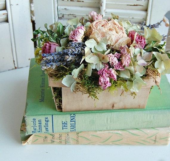 Dried Hydrangea Arrangements: Spring Dried Flower Arrangement / Shabby Cottage Dried