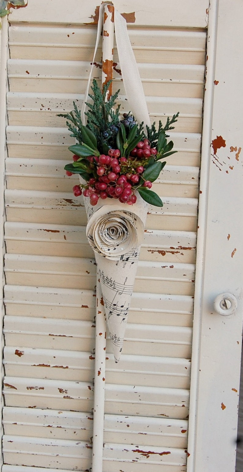 Christmas dried flower deor and and 25 Beautifully Handmade Decor Finds for Home to help you feather your nest and also inspire your interior design schemes.