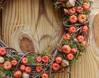 Autumn Pumpkin Wreath  /  Rustic Fall Wreath /  Dried Putka Pods / Mini Pumpkins / 14 -15 Inch wreath