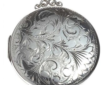 Locket - Sterling Silver Vintage Locket with Chain - London 1973