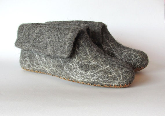 women felted natural wool slippers slippers Valentine felt wool booties gift day grey men slippers felted Felt slippers slippers booties Swp1z0qxx