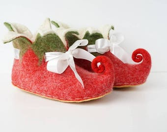 Red green felted Elf slippers rubber soles , women slippers with bow tie, natural slippers, handmade felt slippers, Fairy shoes, Elf shoes