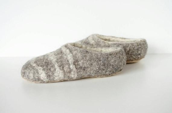Eco slippers grey shoes Men handmade handmade unisex slippers Felted white wool gray wool slippers home felt slippers shoes home AqP6nw15x
