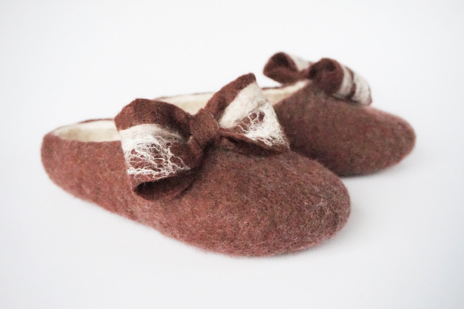 84a9132efeb Women felted wool slippers, bow-tie slippers, felt slippers brown, wool  felt clogs, felted home shoes, felted womens slippers, felted clogs