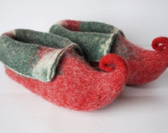 """Felted wool slippers-""""Elves"""" slippers for kids-red, green booties-house shoes-felted slippers- Handmade to Order"""