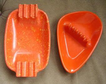 Pair of Mid Century melamine ashtrays, Anholt & Irwin Willert, USA