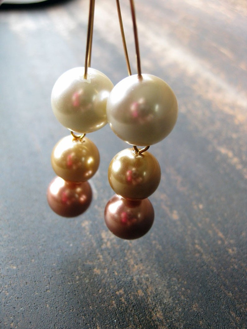 Glass pearl drop earrings image 0