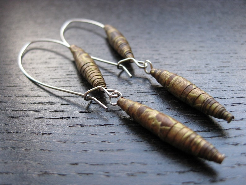 Modern vintage paper bead earrings image 0