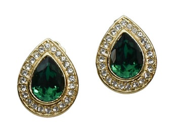 1980s Emerald Green & White Faceted Rhinestones Gold Plated Tear Drop Vintage Clip Earrings