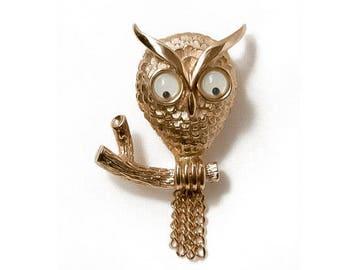 1970s Avon Textured Gold Tone Google Eyes Owl Hootie Vintage Mid Century Figural Pin Brooch