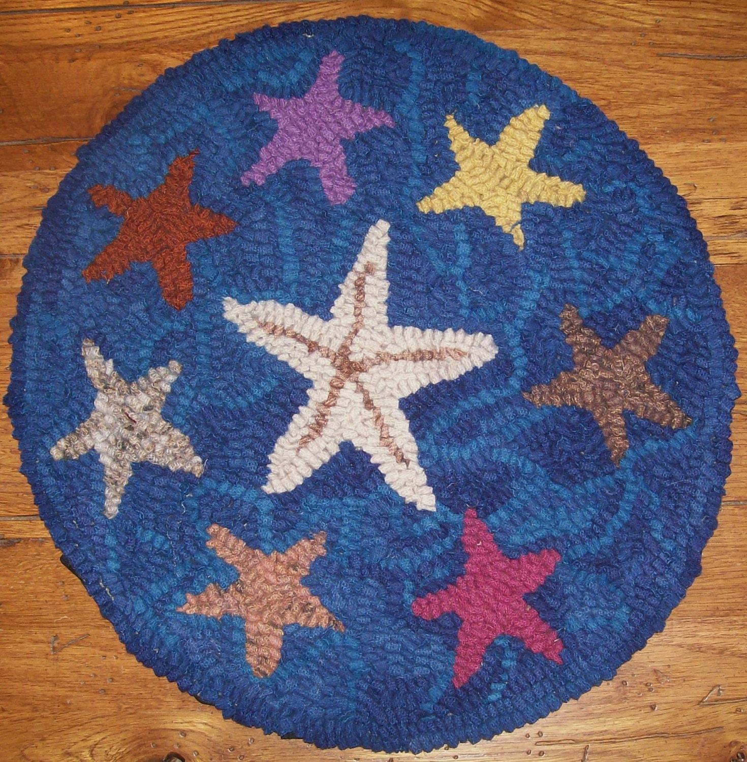Washable Primitive Rugs: CLEARANCE SALE Family Of Starfish Complete Primitive Rug