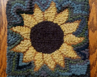 Beginner Sunflower Primitive Rug Hooking Kit on Cotton Monks Cloth with cut wool fabric strips