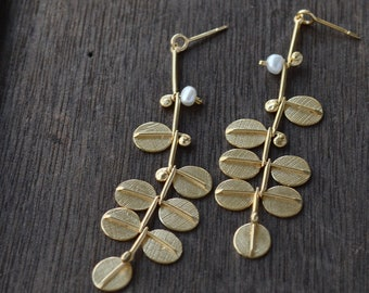 Golden Pearly Kowhai in the Wind earrings