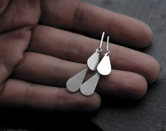 Articulated Double Long Droplet earrings