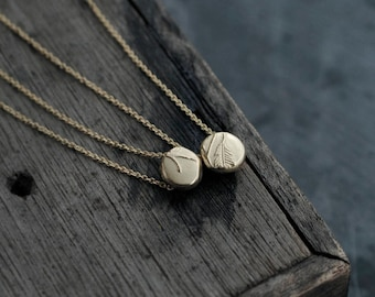 Victorian pebble stone 18kt gold-plated pendant necklace
