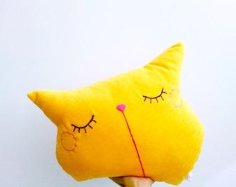 Cat Pillow, Decorative Pillow, Cat Throw Pillow, Kitty Pillow, Animal Pillow, Cat Cushion, Couch Pillow, Pillow for Her, Kitty Cushion