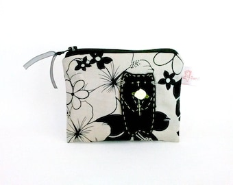 Black cat purse, black cat pouch, black cat coin purse, black cat wallet, black change purse, girlfriend gift, cat mom gifts, black flower