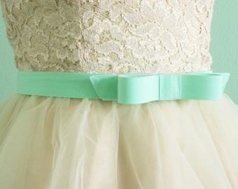 "1"" mint bow belt - bow belt - cotton fabric belt -  seafoam green - mint belt - custom SIZES and COLORS available"