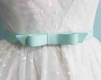 """3/4""""  width bow belt in  custom SIZES and COLORS available - fabric belt- bow belt - custom belt"""