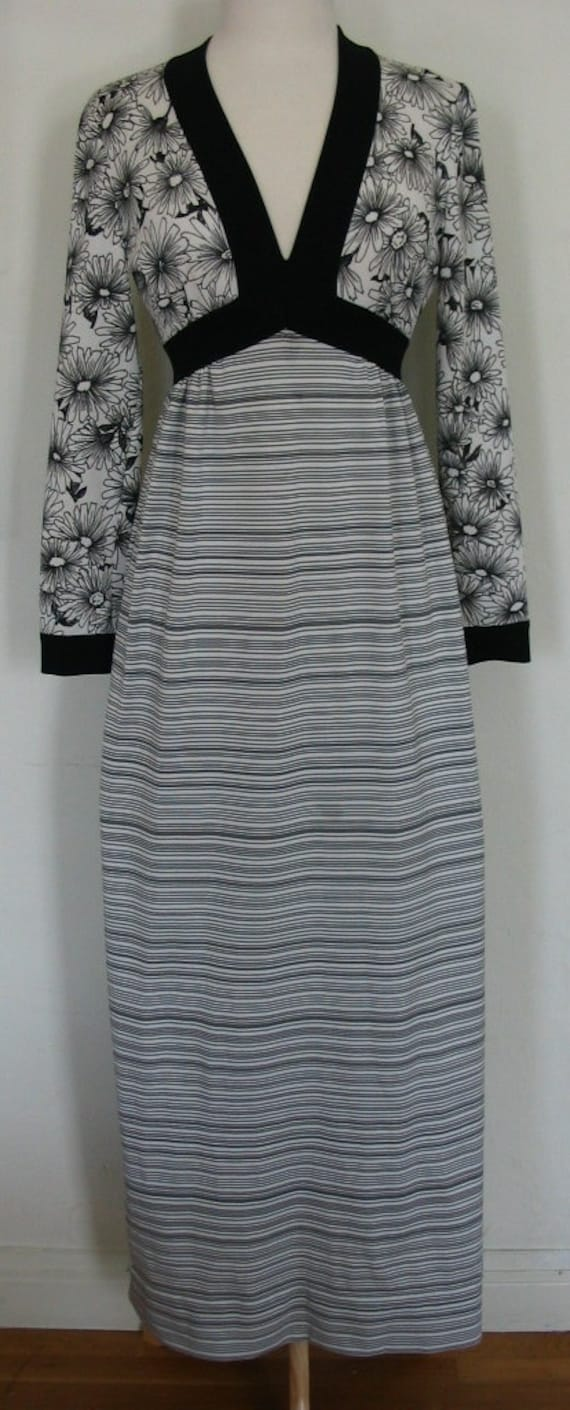Fabulous Goldworm B&W Knit Daisy and Stripe Maxi D