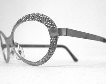 bd8751d49802 Vintage NOS Mod Metal Silvertone Eyeglasses Frames   Pebbled. Rocket Girl.  Fellini Film. Metallic. Shimmer. On sale