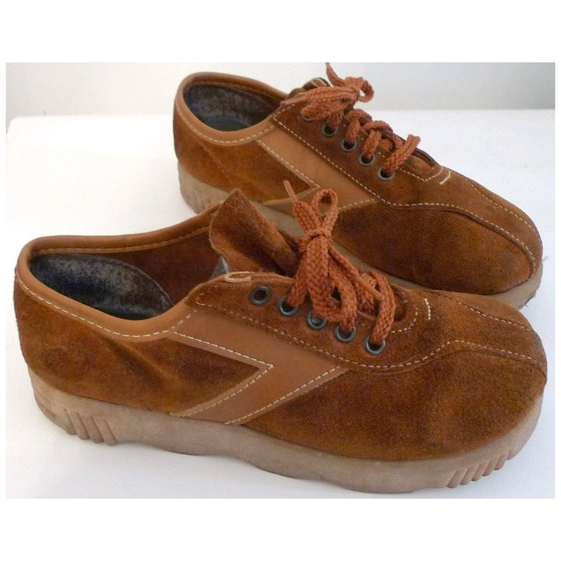 8aecaba86bd6f SALE Vintage 70s Whiskey Platform Sneakers Oxford Shoes  Wavy