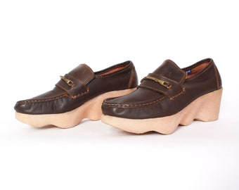 c0daa0900ed73 Vintage 70s Famolare Platforms   1970s Dark Brown Leather Wavy Sole Loafers  9