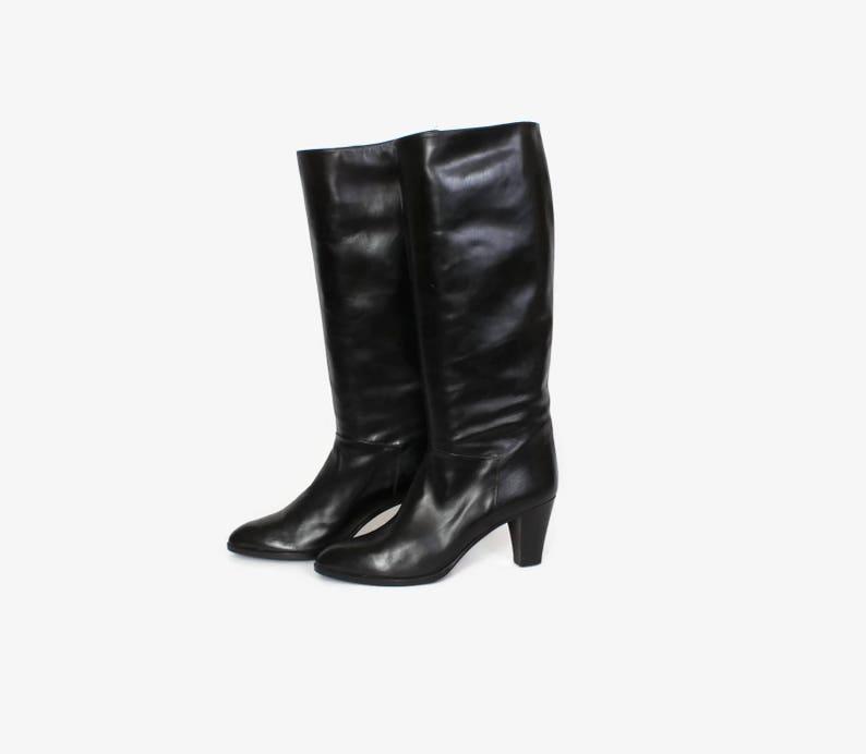 800eb8fea4b10 Vintage 80s Black Boots / 1980s Tall Sleek Black Leather Heeled Knee High  Boots 8