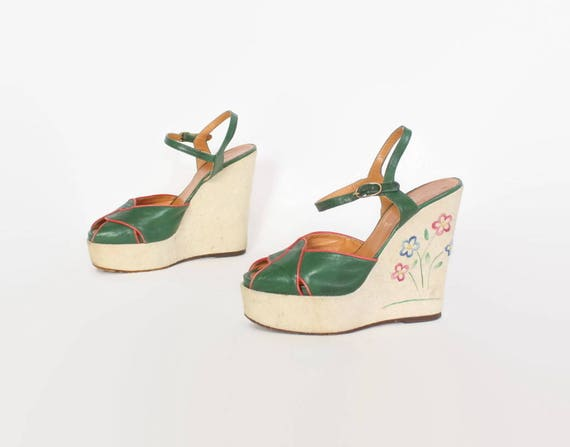 19db430c6000 Vintage 70s PLATFORM SANDALS   1970s Embroidered Green Leather