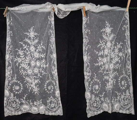 Elegant 1920's Embroidered Net Lace Long Scarf