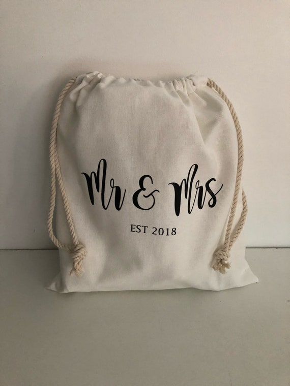 Personalised Wedding Favour Pouches Rose Gold Mr /& Mrs Thank you Guest Gift Bags