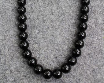 Jet black beads, modern beads, beaded necklace, modern beaded necklace, beautiful black glossy beads, simple black necklace, one of a kind