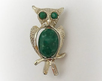 Vintage Green Jelly Belly Owl Brooch Gold Tone Metal