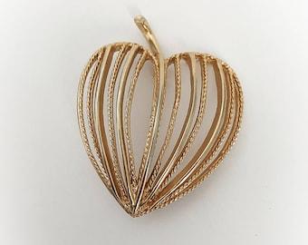 Vintage Apple Heart Brook Gold Tone Metal