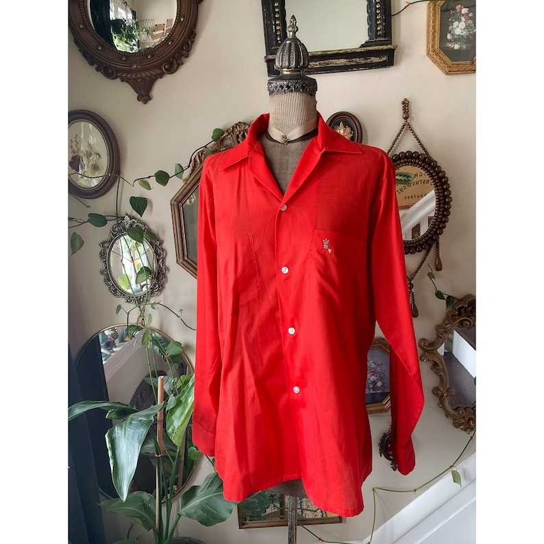 Vintage Men/'s Red Button Up Shirt Long Sleeve Arrow Brand Made in the USA Decton Perma Iron