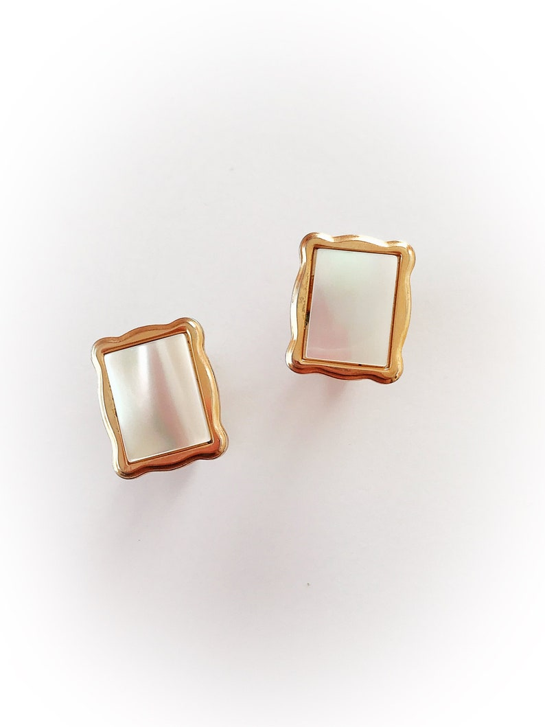 Vintage Mother of Pearl Cuff Links Gold Tone Metal