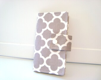 Fabric Checkbook Cover, Holder -  Lattice Gray Quatrefoil