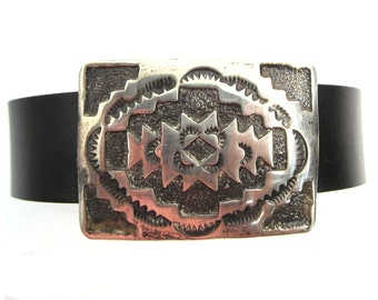 Sterling silver concho on leather bracelet, Elmer Kee Navajo Rug pattern, magnetic clasp