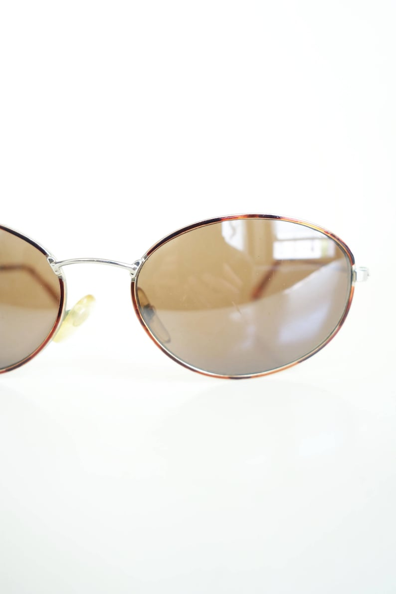 15b43880ea10 1980s Tortoiseshell Wire Rim Glasses Vintage Oval Wire Frame