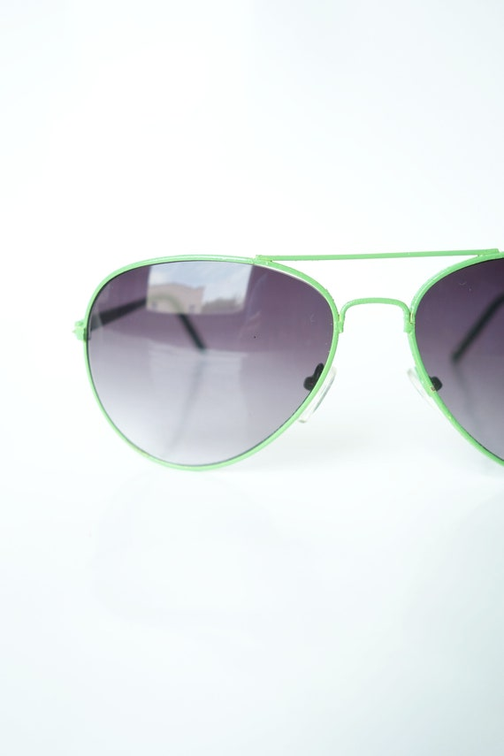 Vintage 1980s Green Wayfarer Sunglasses – Womens a